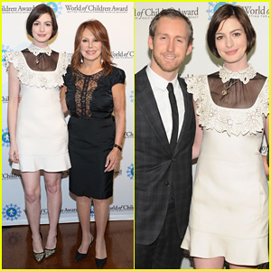 Anne Hathaway & Hubby Adam Shulman Celebrate with Honorees at World of Children Awards 2014!