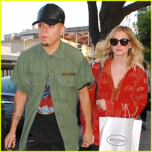 Ashlee Simpson & Evan Ross Are United As One on Veteran's Day