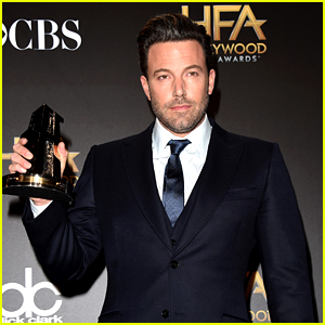 Ben Affleck References His Penis in Hollywood Film Awards Acceptance Speech! (VIDEO)