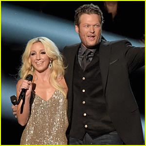 Blake Shelton & Ashley Monroe Perform 'Lonely Tonight' at CMA Awards 2014 (Video)