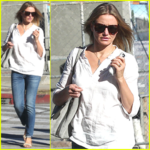 Cameron Diaz Sports Ring on THAT Left Finger & Sparks Engagement Rumors