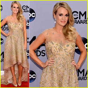 Pregnant Carrie Underwood Shows Off Her Barely There Baby Bump on the CMA Awards 2014 Red Carpet!