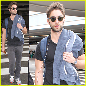 Chace Crawford Jets Back to Los Angeles After Cheering Dallas Cowboys in London