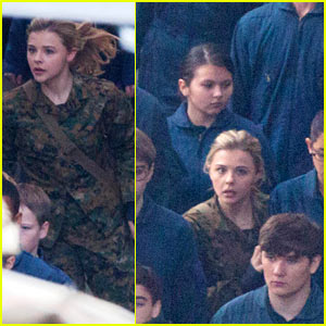 Chloe Moretz Is Surrounded by Blue on 'Fifth Wave' Set!