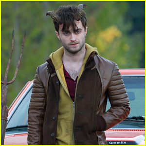 Daniel Radcliffe Doesn't Think He's That Nice, But He Doesn't Do a Very Good Job of Convincing Us Otherwise (JJ Interview)