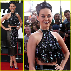Did Katy Perry Actually Dress Up as a 'Twistie' at ARIA Awards?!