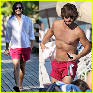 Shirtless Diego Boneta Heats Up Miami - Ay Papi!
