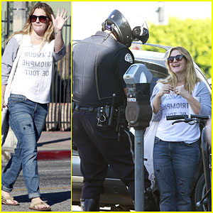 Drew Barrymore Gets a Ticket for Jaywalking on Thanksgiving