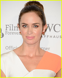 Emily Blunt Hid Baby Bump Behind Trees for 'Into the Woods'