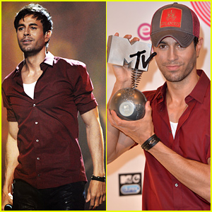 Enrique Iglesias Heats Up the Stage at the MTV EMAs 2014