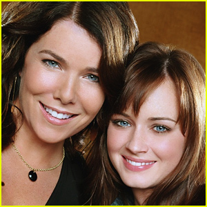 A 'Gilmore Girls' Reunion is Happening!