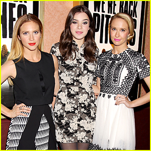 Hailee Steinfeld & Brittany Snow Surprise Audience at 'Pitch Perfect' Screening