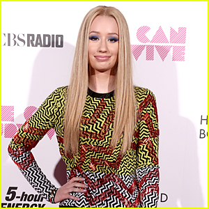 Iggy Azalea Addresses America Music Awards 'Booty' Performance Rumors