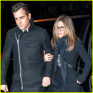 Jennifer Aniston Is 'Flattered' to Receive Oscar Buzz for 'Cake'