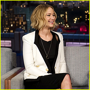 Jennifer Lawrence Sings on 'Letterman' & It Sure Isn't Pretty!