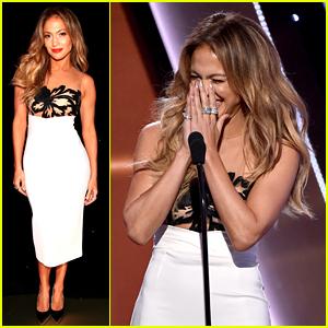 Jennifer Lopez Flubs Her Speech at Hollywood Film Awards 2014 (Video)