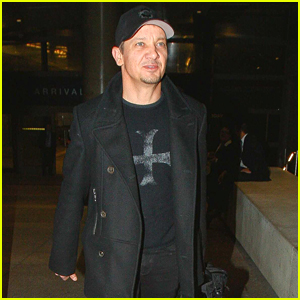 Jeremy Renner on Working with Tom Cruise: He Knows What He's Doing