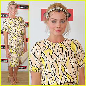 Margot Robbie Has 'Neighbours' Reunion on Stakes Day in Australia