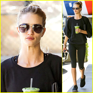Rosie Huntington-Whiteley Has a Great Pair of PJs for You!