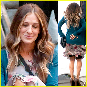 Sarah Jessica Parker Jumps for Joy While Filming in Rome
