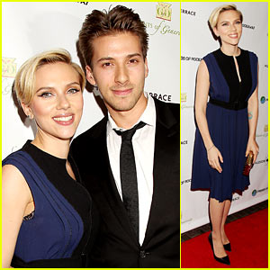 Scarlett Johansson & Her Twin Brother Hunter Walk the Red Carpet Together