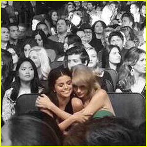 Taylor Swift & Selena Gomez Hug In This Adorable New Pic