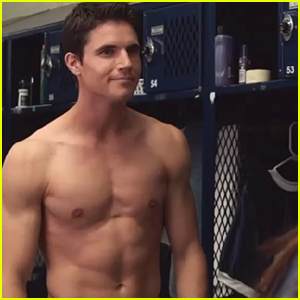 Robbie Amell Goes Shirtless in 'Duff' Teaser Trailer - Watch Now!