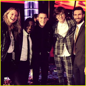 Adam Levine's Wife Behati Prinsloo Shows Support at 'The Voice' Season 7 Finale