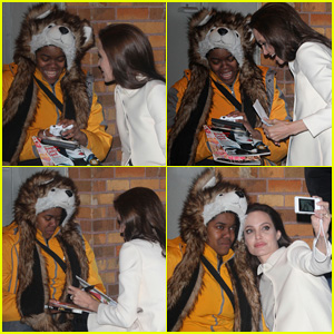 These Are the Stages of Angelina Jolie Comforting a Crying Fan