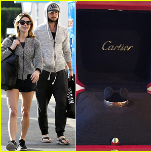 Christmas Abbott Married.Ashley Greene Is Not Engaged But Gets A Ring For Christmas