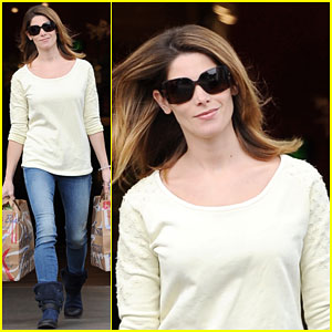 Ashley Greene Hits Up 'The Voice' to Support Nick Jonas