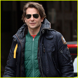 Bradley Cooper Rides the Subway Like Every Other New Yorker