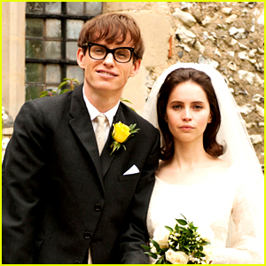 See How Eddie Redmayne & Felicity Jones Developed Their Chemistry for 'Theory of Everything' (Exclusive Featurette)