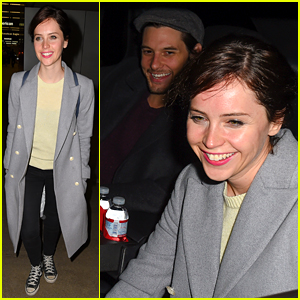 Felicity Jones Ben Barnes Share A Car At Lax Airport Ben Barnes