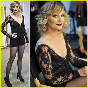 Jennifer Nettles Becomes Roxie Hart in This First Look at Her 'Chicago' Broadway Debut!