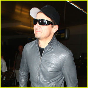 Jeremy Renner Shows His Cute Smirk at LAX
