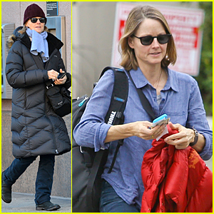 Jodie Foster Braves the New York Cold to Run Some Errands