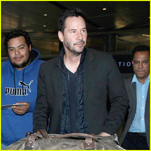 Keanu Reeves Makes It Home for the Holidays