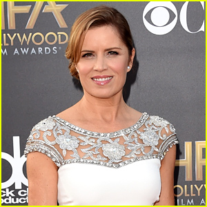 Gone Girl's Kim Dickens Lands Female Lead in 'Walking Dead' Companion Series