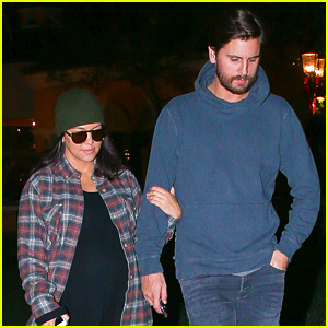Kourtney Kardashian Goes to Dinner with Scott Disick, Looks Like She Could Give Birth Any Day Now!