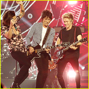 One Direction Perform With Ronnie Wood on 'X Factor UK' Final (Video)