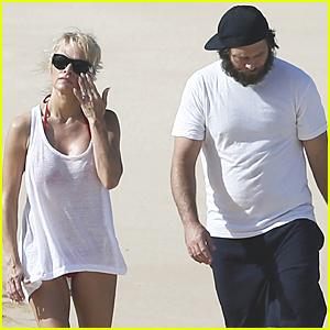 Pamela Anderson & Rick Salomon Match in White at Hawaiian Beach