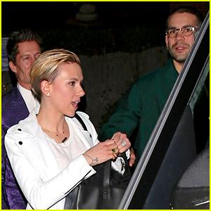 Scarlett Johansson & Husband Romain Dauriac Grab Holiday Dinner with Friends!