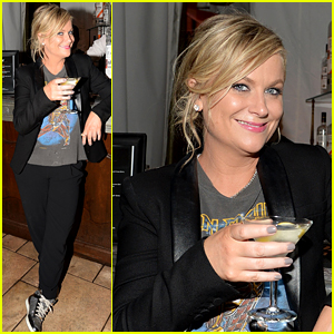 Amy Poehler Went Super Casual for Her Golden Globes Party