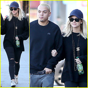 Pregnant Ashlee Simpson & Evan Ross Stay Close During a Breakfast Date