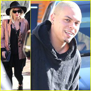 Pregnant Ashlee Simpson & Evan Ross Stay Close During a Lunch Date