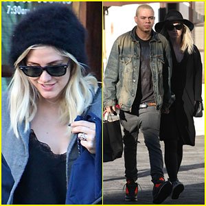 Ashlee Simpson Satisfies Some of Her Pregnancy Cravings