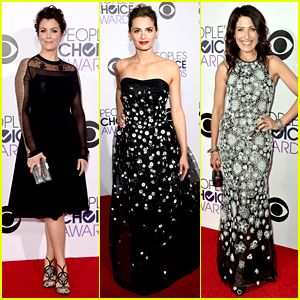 Bellamy Young & Stana Katic Represent ABC at People's Choice Awards 2015!