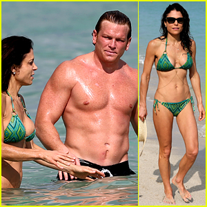 Bethenny Frankel & Her Boyfriend Are One Hot Beach Couple!