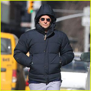 Bradley Cooper's 'American Sniper' Gets Praised by Michelle Obama